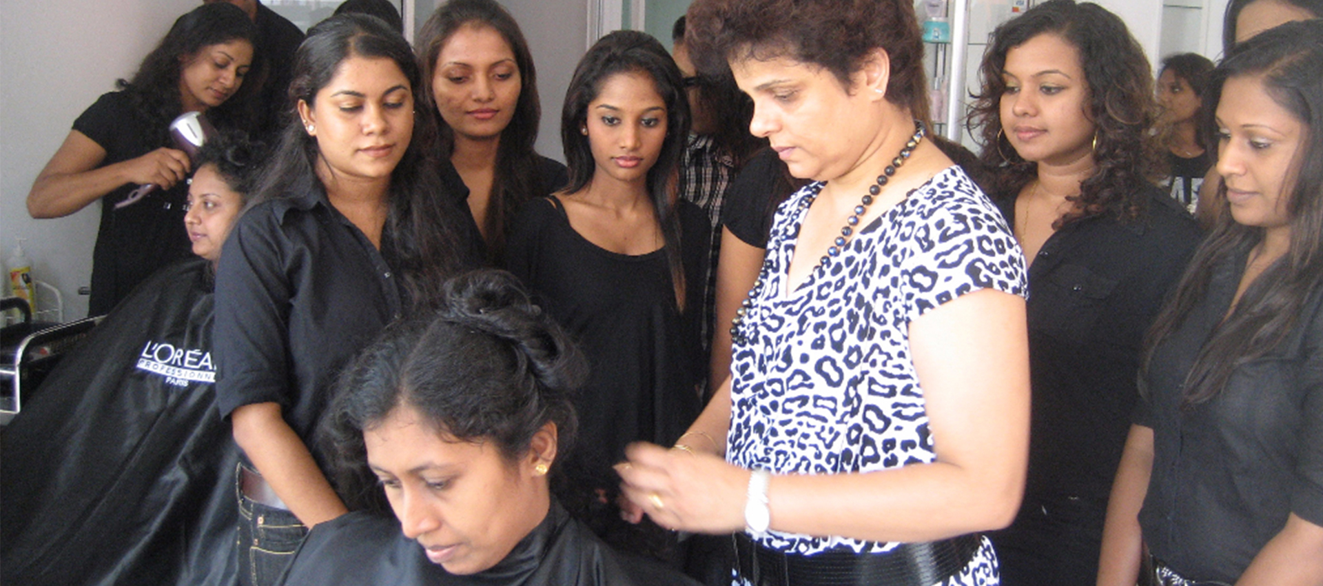 Yesman.lk - Cover Image - Roots Hair & Beauty Academy